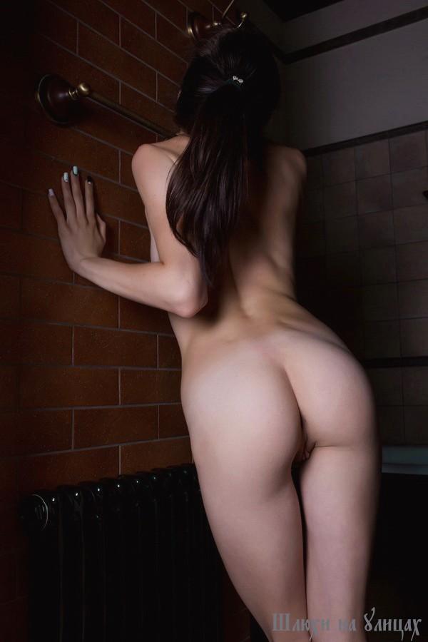 Порно глубокая глотка - Горловой минет со слюнями онлайн